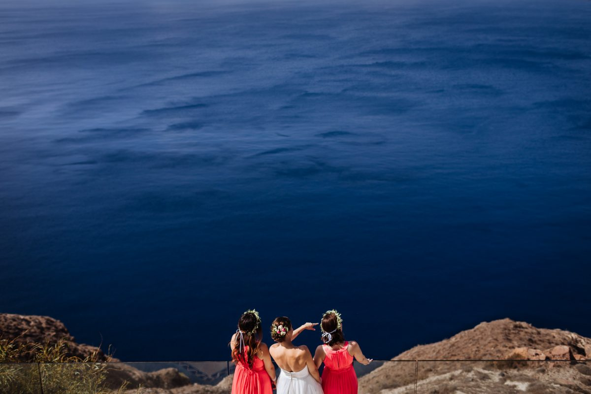 5 Things Every Bride Should Know About Santorini Wedding Photography